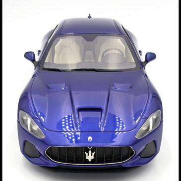 Maserati, højrestyret, lys og 1:87